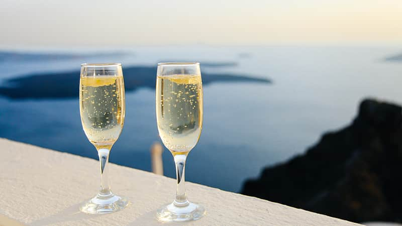 09 Luxury-Action-men-travel-greece-greak-islands-champagne-santorini