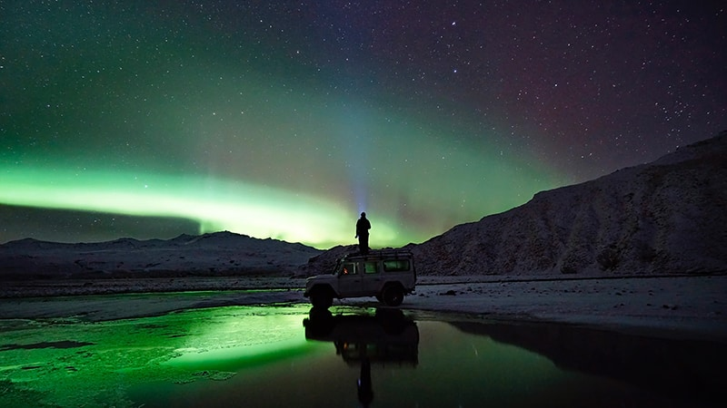 10 Wildlife-men-iceland-island-nordic-lights-nordlicht