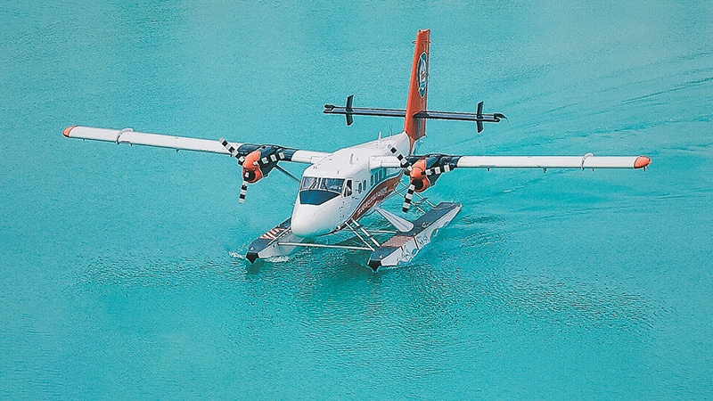 12 Luxury-Action-men-travel-maledives-water-plane