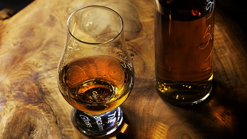 13 Wildlife-men-scotland-schottland-whiskey-tasting
