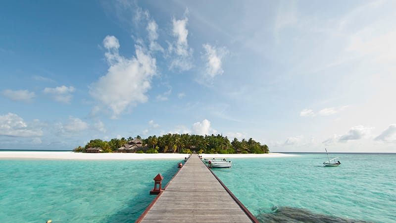 16 Luxury-Action-men-travel-maledives-way-to-the-island