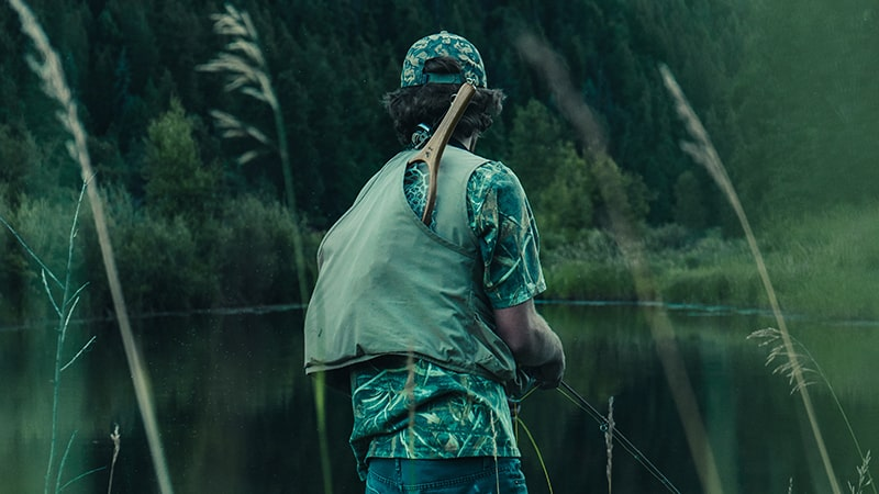 20 Wildlife-men-canada-Kanada-man-fishing-on